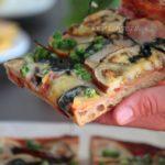 Pizza vegan con pasta madre essiccata, molto alveolata!