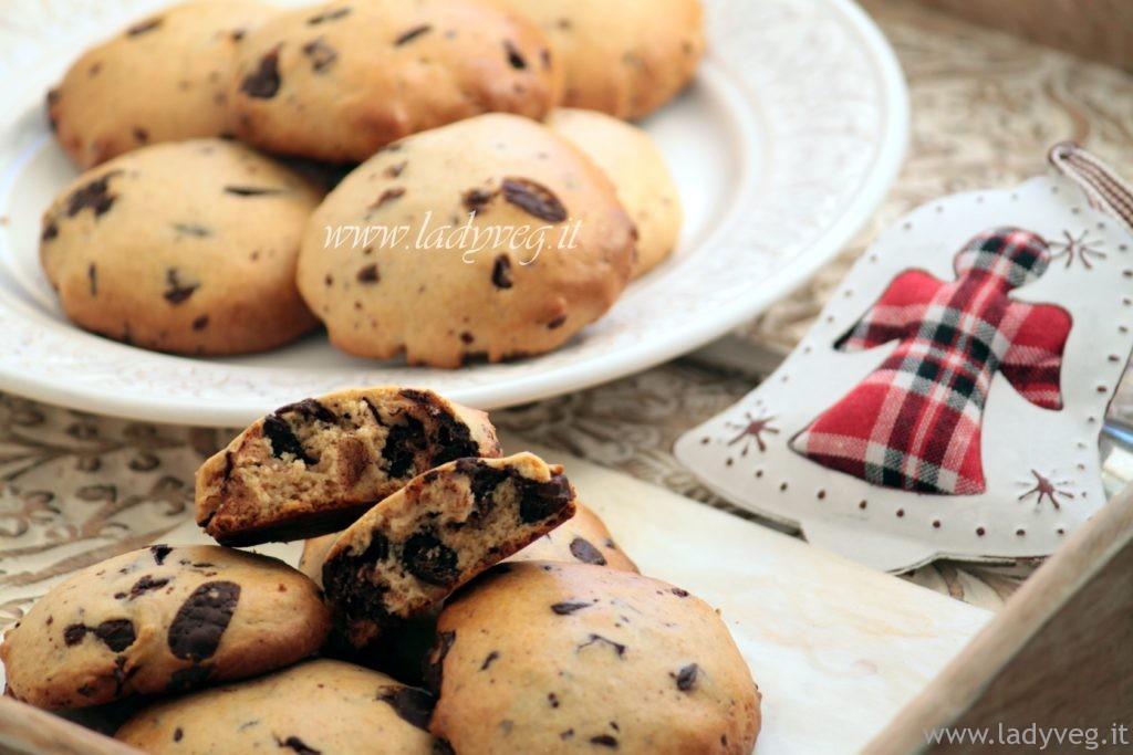 biscotti vegani con cioccolato