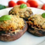 Funghi portobello gratinati vegan: ricetta per un secondo piatto.