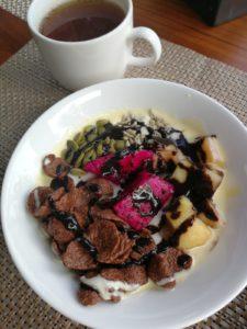 Colazione vegana con crema al cacao