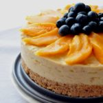 Vegan mango cheesecake light