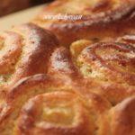 Torta di rose vegana con crema pasticcera