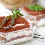 Tiramisù vegano allo yogurt colato: come godere del tiramisù d'estate!
