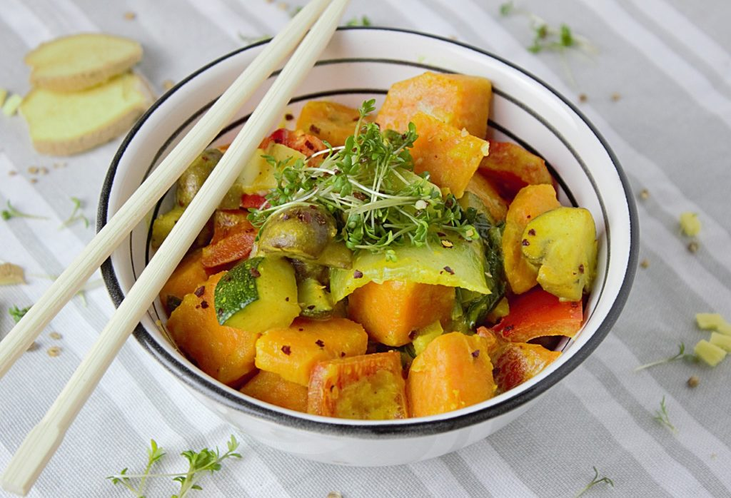curry di verdure vegano da asporto
