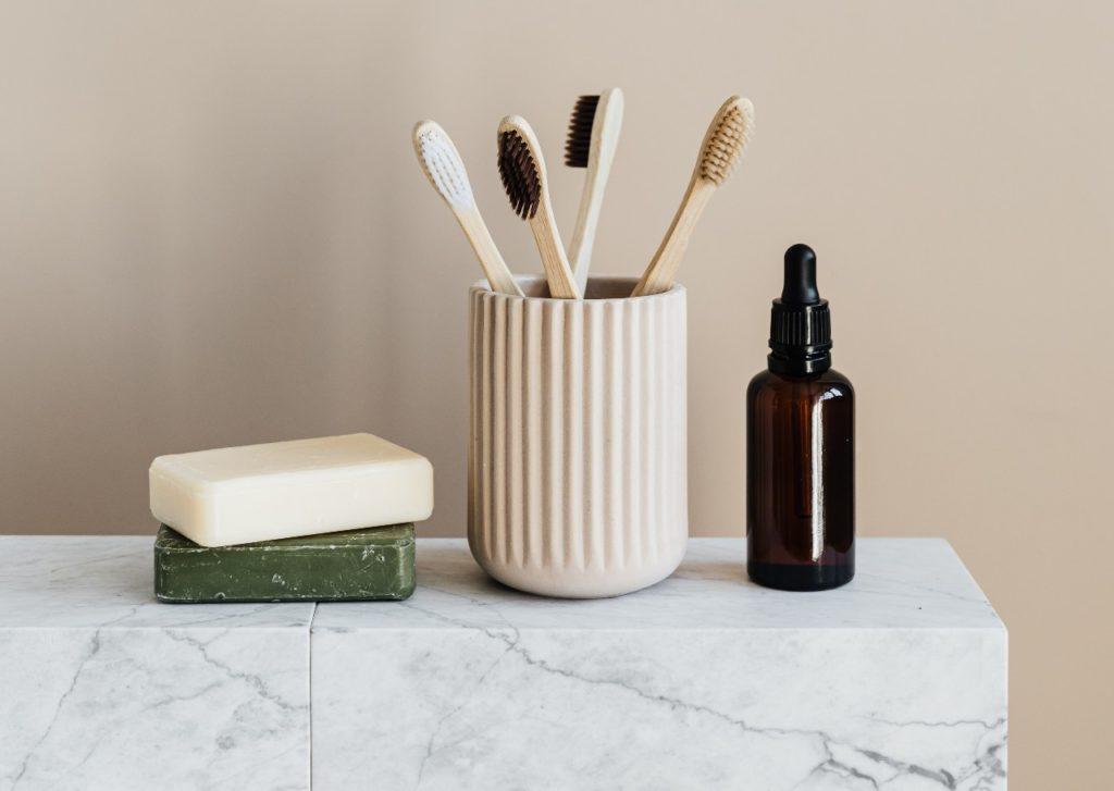 Spesa senza plastica: sapone e spazzolini