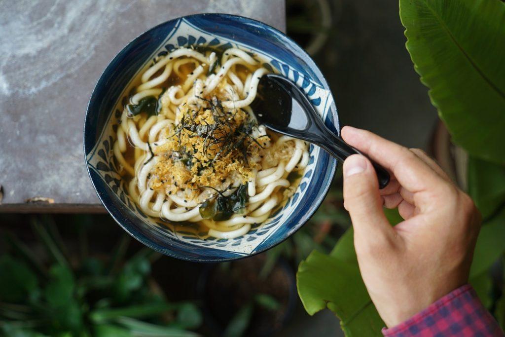 zuppa di udon ristorante giapponese